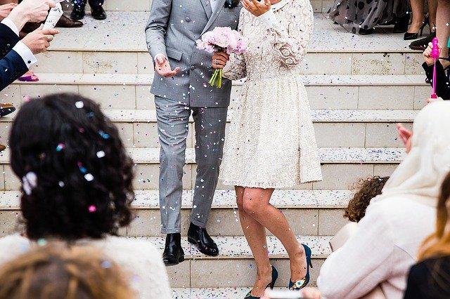 Deberías contratar a un videógrafo profesional para tu boda