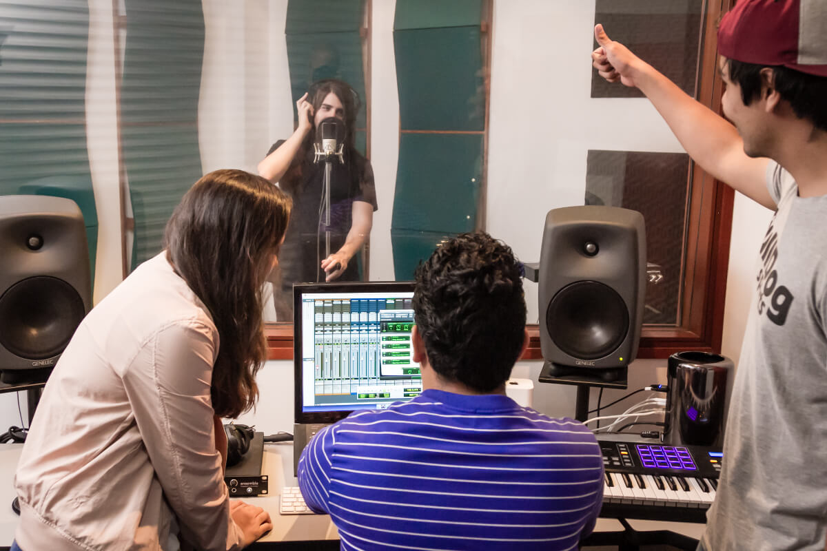 Estudio de Grabación de Audio y Posproducción de Audio y Video